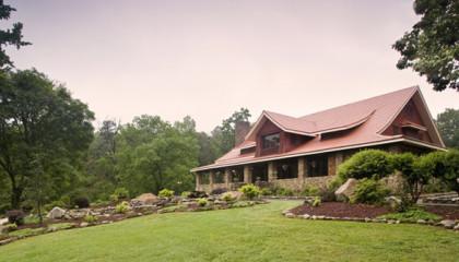 Hilltop Manor