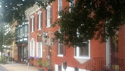 Carlisle House, Pennsylvania Bed and Breakfast for Sale