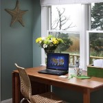 Small-home-workspaces-desk[1]