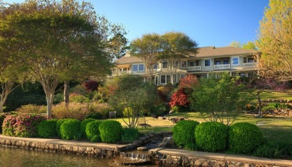 Arkansas Lakefront Boutique Inn For Sale