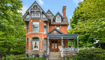 Historic Michigan bed and breakfast for sale