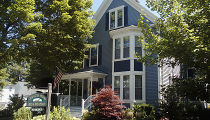 Brewster House Bed & Breakfast – Freeport, Maine