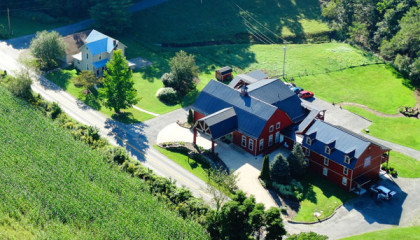 Ohio Amish Country inn for sale