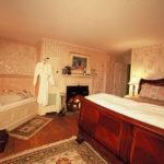# 4 Roosevelt Suite- King