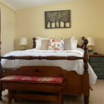 Guest-room-at-Monadnock-NH-inn-for-sale