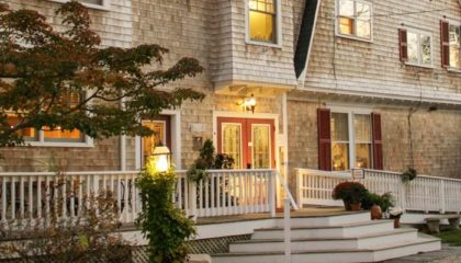 Classic Cape Cod Bed & Breakfast Inn