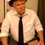 Scott alone hat