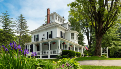 Maine Stay Inn & Cottages, Kennebunkport B&B for sale