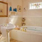 4b Chantily-Bathroom