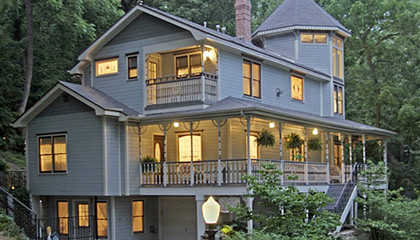 Luxury Ozarks inn for sale