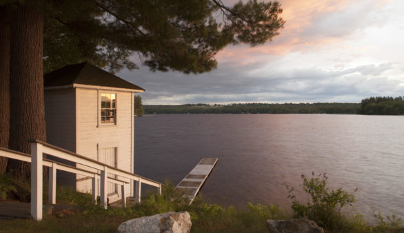 Maine Shorefront Lake Region Country Inn