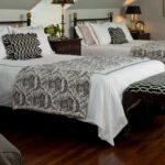 Fairview Inn guest room