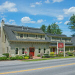 Daytime-exterior-of-Stowe-VT-B&B-for-sale