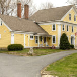 Exterior-of-NH-inn-for-sale