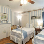 Guest-room-at-NH-inn-for-sale