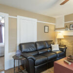 Guest-sitting-room-nh-inn