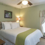 Standard-guest-room-at-NH-inn-for-sale