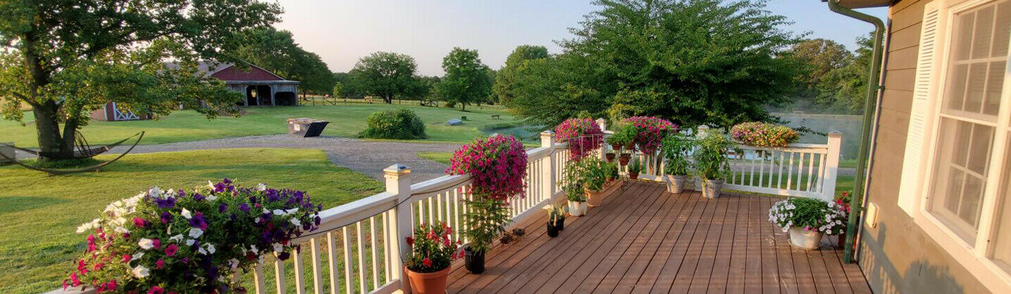 Photo of grounds and plantings at Illinois inn for sale